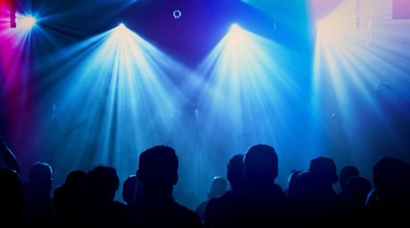 https://www.freepik.com/free-photo/rock-band-silhouettes-stage-concert_1191531.htm